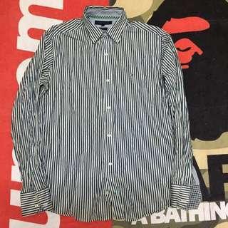 TOMMY HILFIGER (stripedshirt)