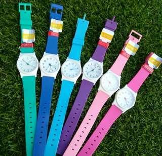 Jam tangan qnq putih