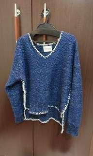 🚚 極新轉賣韓國正韓貨設計感深藍針織毛衣