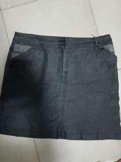 🚚 Bega dark grey thin denim skirt