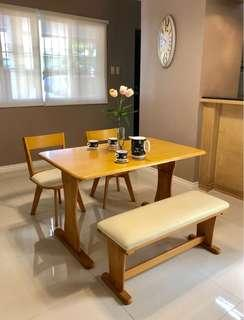4-seater dining set