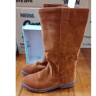 Brown Knee High Boots #SparkJoyChallenge