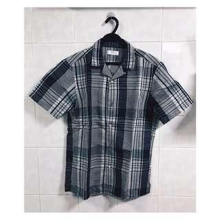 🚚 Uniqlo shirt (size M)