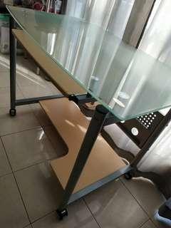 Meja kerja kaca + 2 kursi kerja