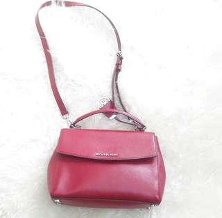 Authentic Michael Kors Ava Red Lax Leathersling bag-LikeNew🍧🌼🌻