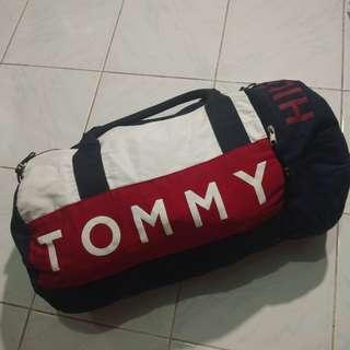6b34cff0e7e1 TOMMY HILFIGER DUFFEL BAG
