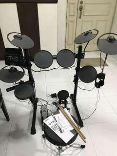 Yamaha DTX400K electronic Drum with extra parts