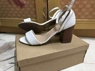 NewLook White Heels