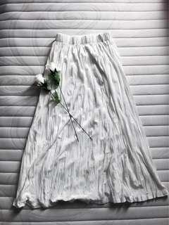 Bludru White Skirt