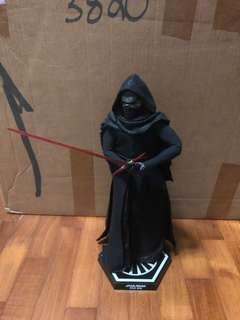 Hot Toys 1/6 Kylo Ren (The Force Awakens)