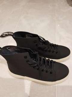 🚚 Dr Martin Shoe Brand New