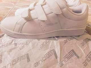 white sneakers for men (RE-PRICED!!!)