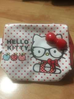 0c7d73f649 Hello Kitty cosmetic pouch + included mirror