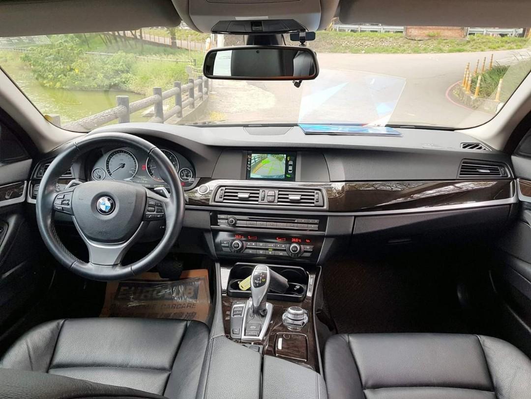❧佛系女孩 妍 ❧2010 BMW 523i 玄武灰 換檔撥片.天窗.中控螢幕.定速.倒車顯影