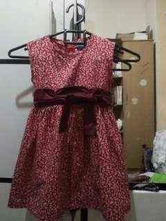Gaun merah cantik to 3 -4 thn