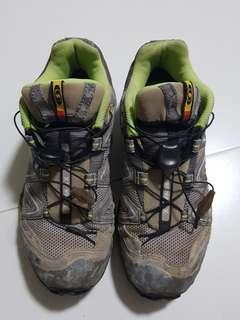 Salomon Women hiking / trekking shoes