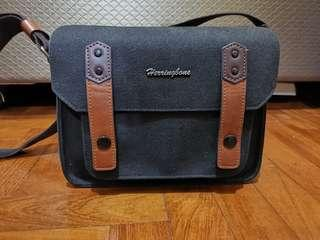 🚚 Herringbone Camera Bag