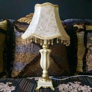 New. 53cm table lamp with beads