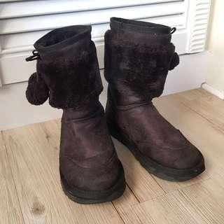 🚚 二手黑色毛毛雪靴 短靴 保暖 女鞋 鞋子 靴子 23.5