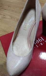 🚚 楔型鞋