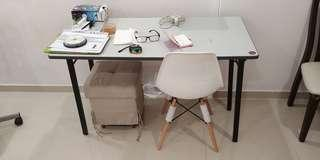 Moving house - foldable table