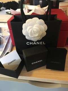Chanel 細袋連茶花,耳環盒連絨袋