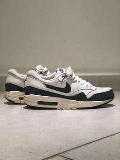 🚚 Authentic Nike Air Max 1