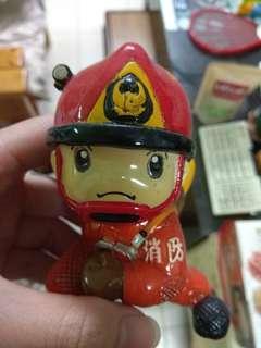 🚚 消防陶瓷玩偶