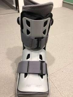 🚚 Aircast boot Large can be both left or right