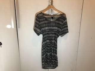 Dress Motif H&M