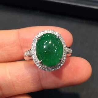 辣綠蛋面戒指