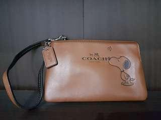 Brand New Authentic Coach Snoopy Wristlet Limited Edition