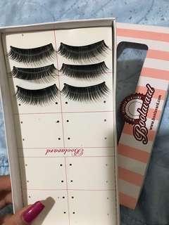 3 pairs of fake eyelashes
