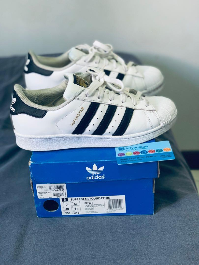 lowest price 94afc a84c9 Authentic Adidas Superstar shoes size 7 or 40 euro on Carousell