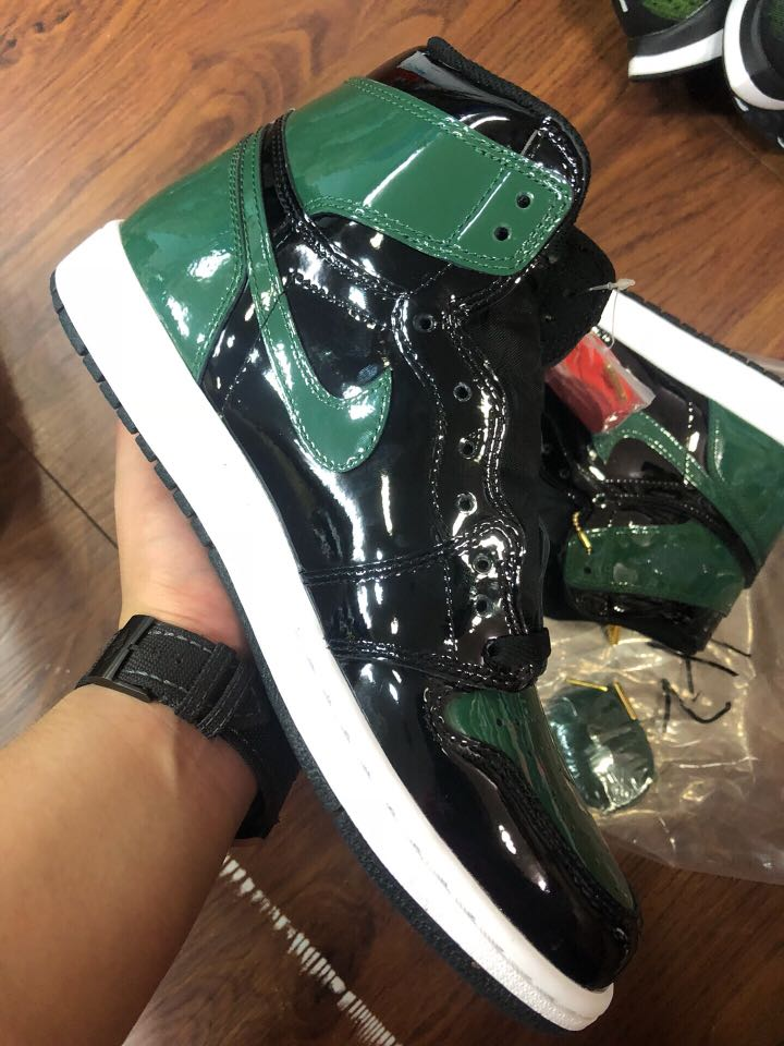 Fabricante protesta capitán  EARLY PAIR SoleFly Air Jordan 1 Art Basel Black FF, Men's Fashion,  Footwear, Sneakers on Carousell
