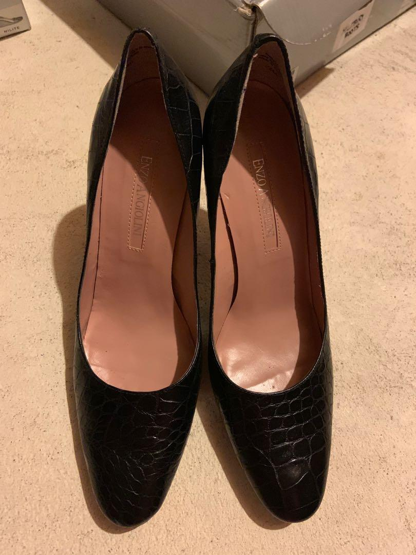 Excellent condition. 4 pairs of heels and 2 pairs of sandals. Size 7.5