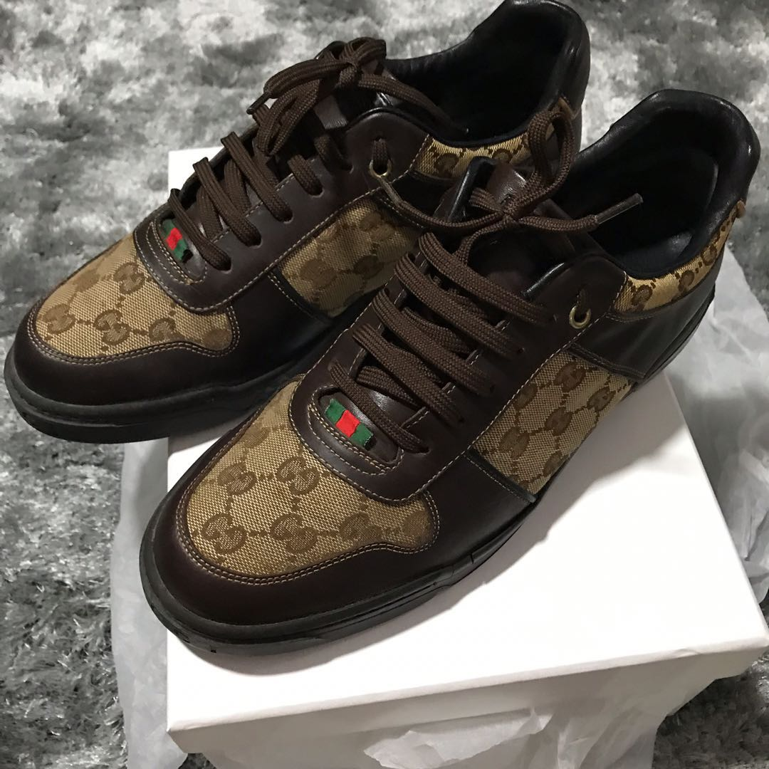 ab3ee0d35c9bc GUCCI GG Logo Canvas Sneakers 👟