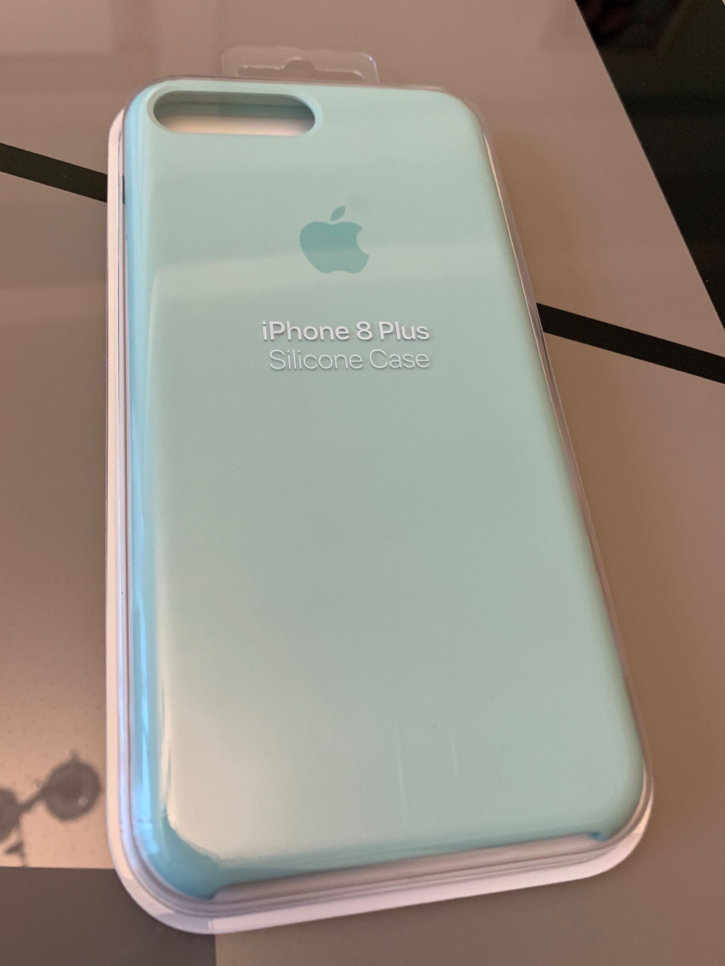 hot sale online 786f0 72906 iPhone 8 Plus Silicone Case in Marine Green