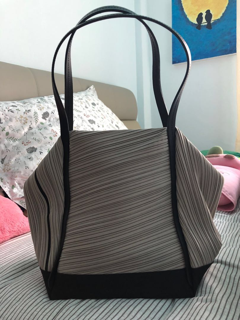 0d12ecdde98e Home · Women s Fashion · Bags   Wallets · Handbags. photo photo ...