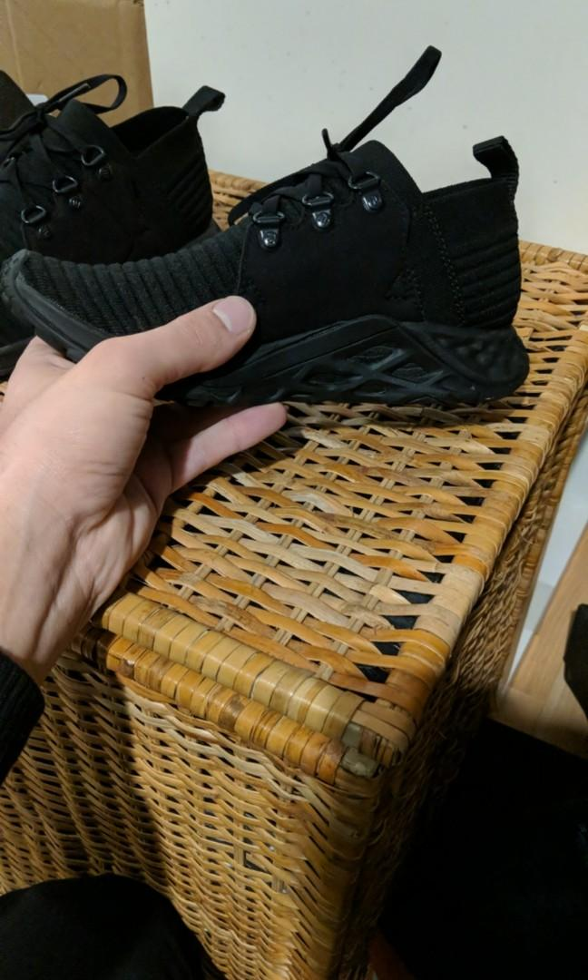 Merrell lifestyle everyday shoes - brand New - upscale Roshes- extremely comfortable