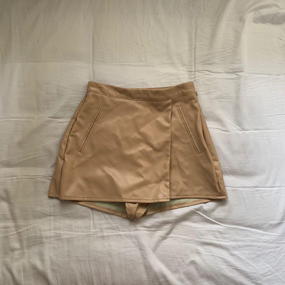 MISSGUIDED Nude Beige Skort