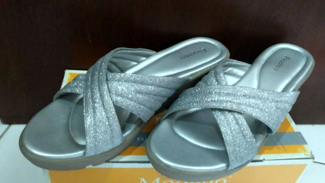 Preloved Wedges Sandal Pesta Fladeo Silver