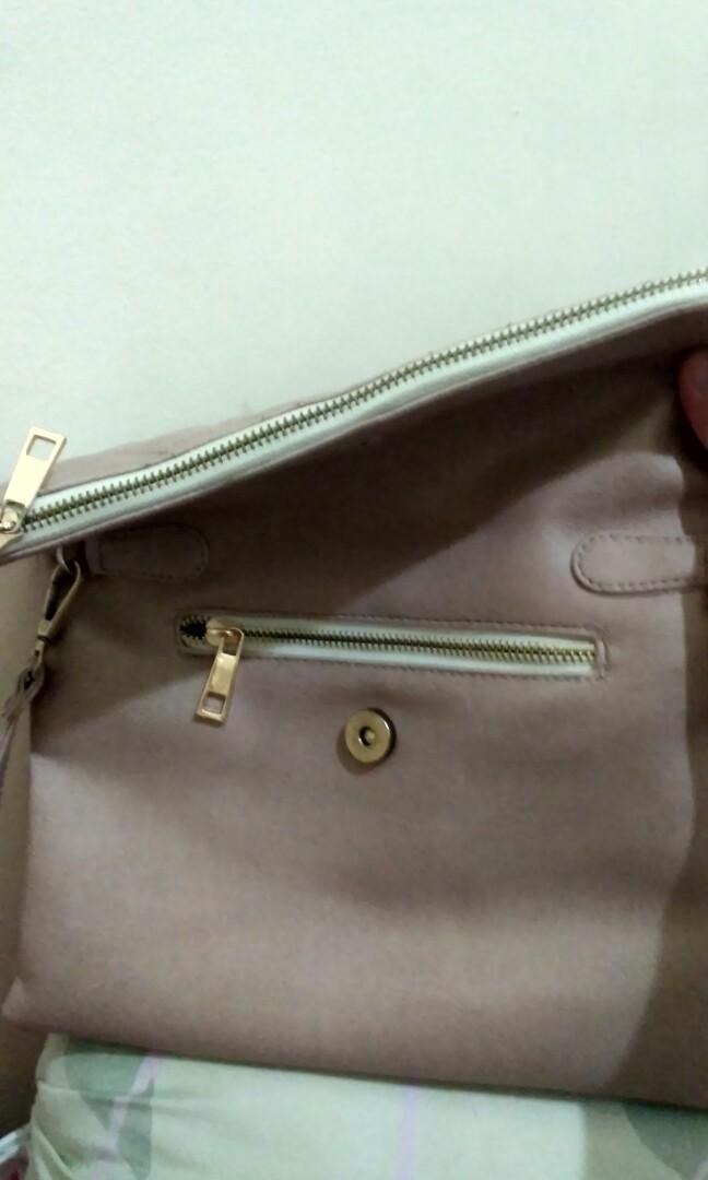 Preloved Sling bag Bagtitude cocok untuk kondangan