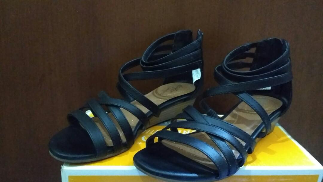 7c4ba6ed0b5d Preloved Wedges Sandal Black Dexflex Comfort