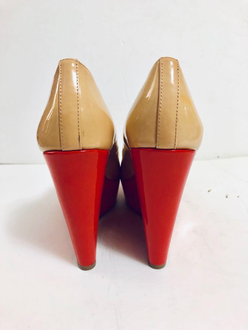 Vince Camuto Ladell Nude And Coral Patent Leather Wedges Shoes 8 B