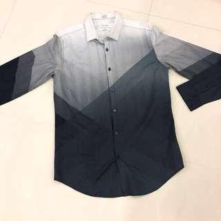 🚚 Calvin Klein Shirt
