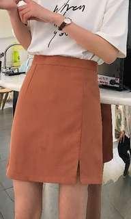 🚚 Brick coloured skirt