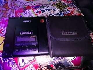 SONY D303 隨身聽手提式CD機一部 全正常淨機一部沒有配件 你見相片有乜就有乜$800