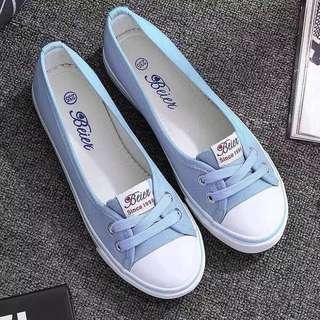 sepatu canvas slip on