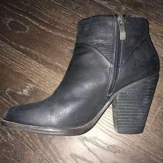 Vince Camuto leather booties size 5